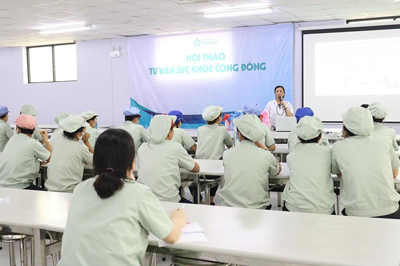 """Việt Nhật Clinic tổ chức chuỗi Hội thảo tư vấn sức khỏe cộng đồng """"miễn phí"""" cho người lao động"""